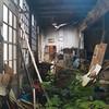 Alte, verfallene Werkstatt